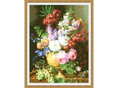 Букет цветя и грозде