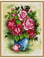 Букет рози в синя ваза