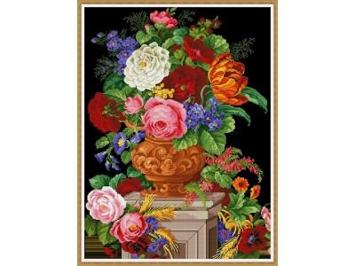 Рози в класическа ваза