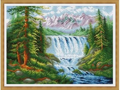 Водопад в планината