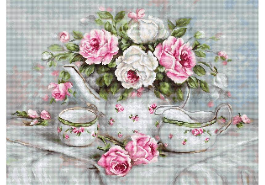 Чаен сервиз и рози