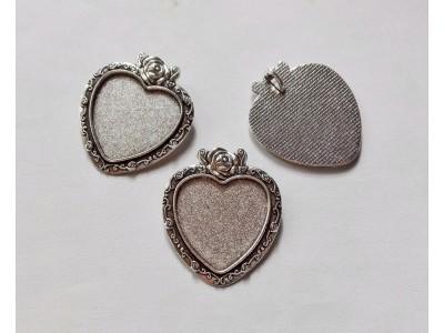 1304 Метална основа сърце 1 бр.