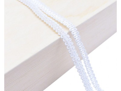 Декоративен ширит - цвят бяло